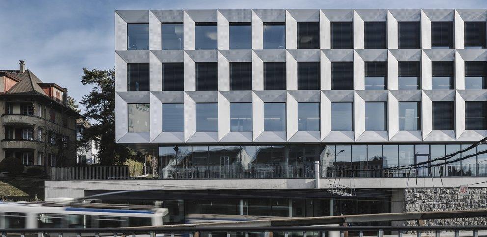 CCHE Lausanne SA