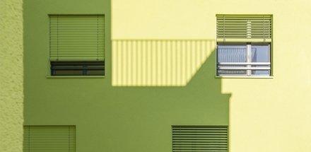 Contraste coloré dans la métropole horlogère