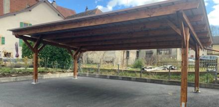 Carport toiture inclinée sur l'arrière